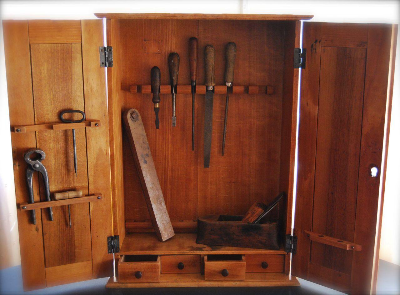 Armario de erramientas en pinterest herramientas banco - Herramientas de madera ...